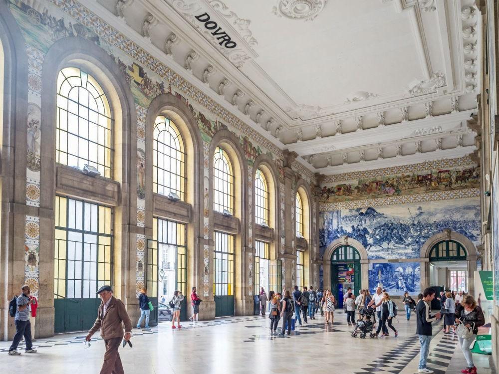 Фото: Estacao de Sao Bento 10 самых красивых железнодорожных вокзалов мира 10 самых красивых железнодорожных вокзалов мира sao bento