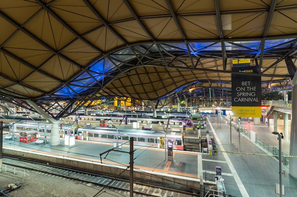 Фото: Southern Cross Station 10 самых красивых железнодорожных вокзалов мира 10 самых красивых железнодорожных вокзалов мира southern cross railway station