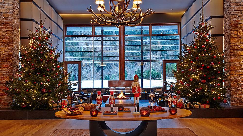 Фото: Kempinski Hotel Berchtesgaden 10 отелей, которые под Новый год превращаются в сказку 10 отелей, которые под Новый год превращаются в сказку kempinski hotel berchtesgaden