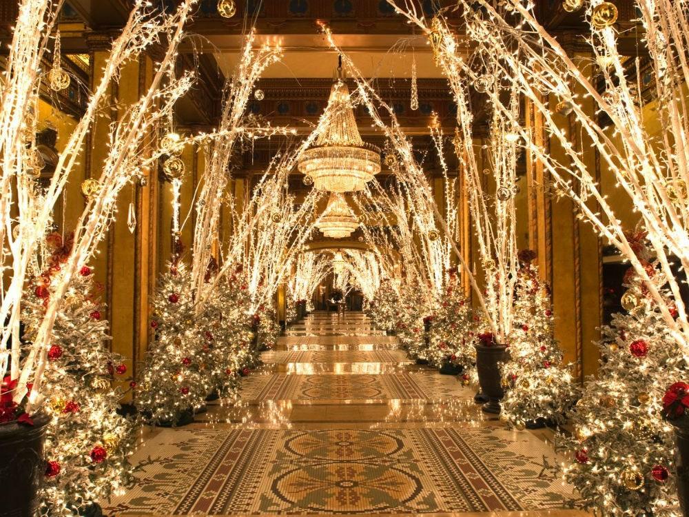 Фото: The Roosevelt 10 отелей, которые под Новый год превращаются в сказку 10 отелей, которые под Новый год превращаются в сказку roosevelt