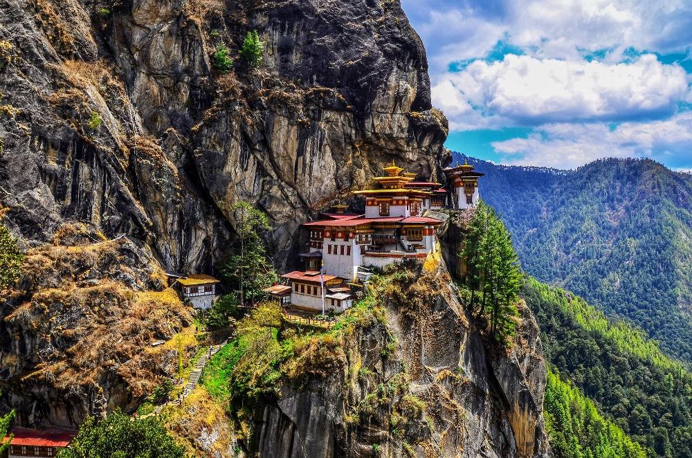 Фото: Бутан  10 стран мира, стремительно набирающих популярность bhutan