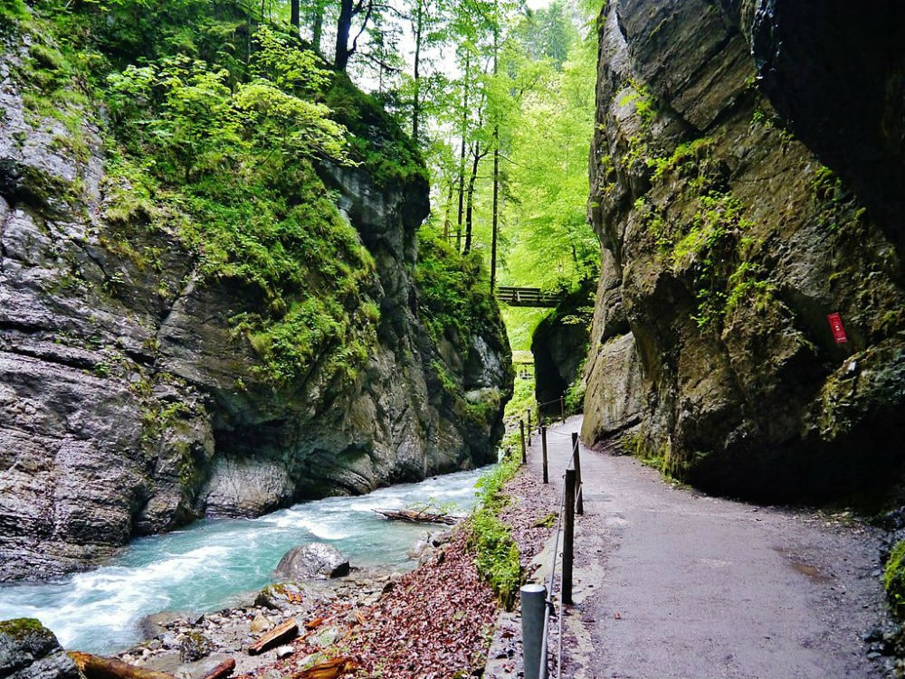 Фото: Ущелье Партнахкламм германия 10 завораживающих мест в Германии, о которых мало кто знает partnach gorge