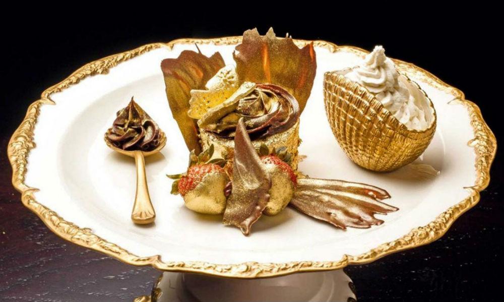 Фото: Десерт «Золотой Феникс»
